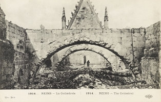 1914... Reims, la cathédrale